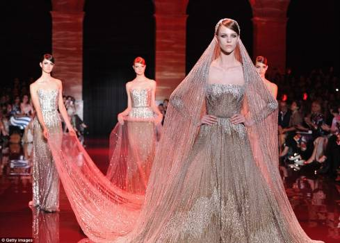 Elie Saab's Debuts Fall/Winter 2013/2014 Collection