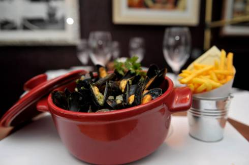 Amarres' Mussels and Fries