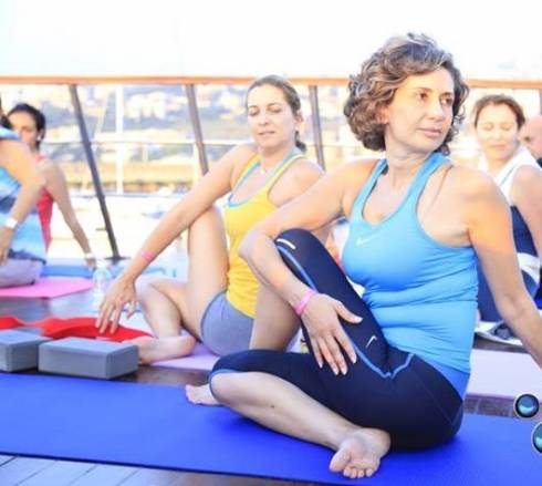 Yoga On Yacht42